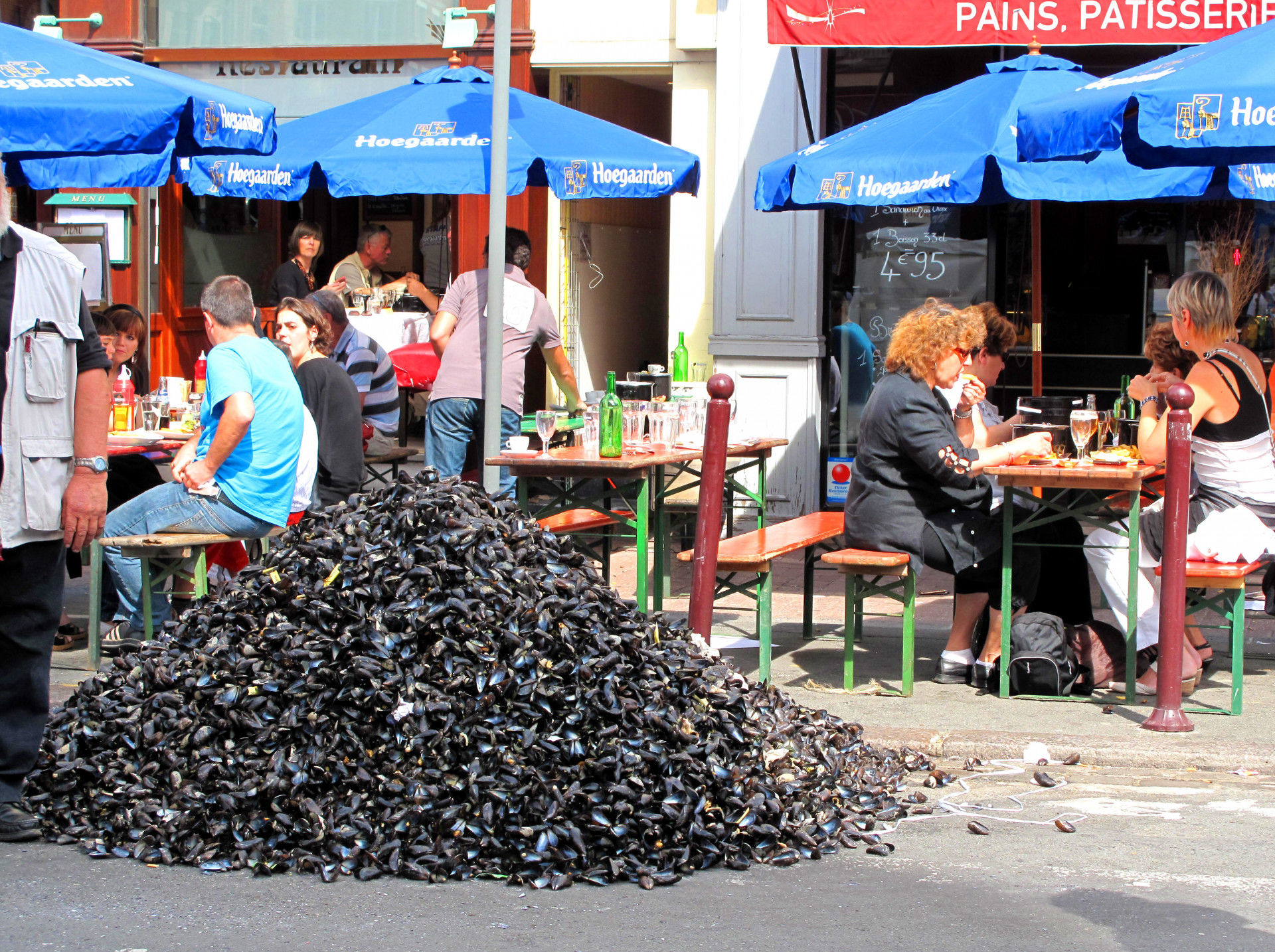 Eating Mussels in Lille