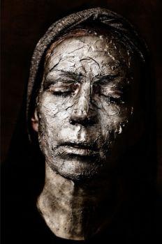 Death Mask, self portrait by Natascha Hemke
