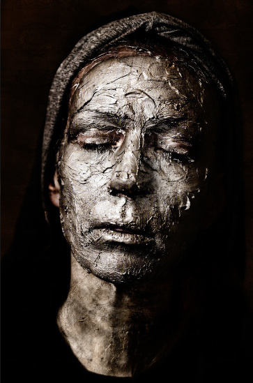 Death Mask, self portrait by Natascha Hemke