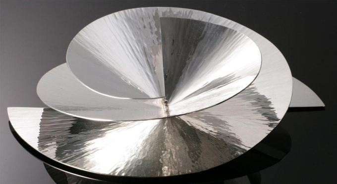 Silver bowl Duet II by Paul de Vries