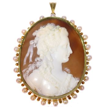 Large Vintage high quality carving cameo in gold mounting embelished with pearls by Unknown Artist