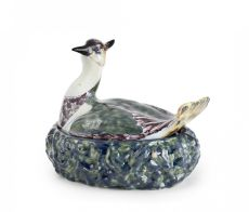 Polychrome oval butter tub with lapwing form cover