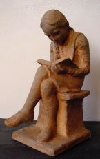 Hanna Mobach, daughter of the sculptor Klaas Mobach, reading by Klaas II Mobach