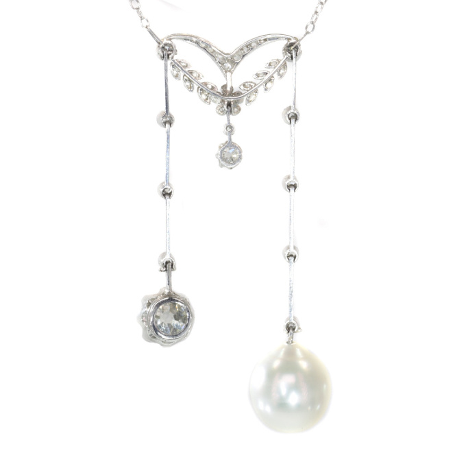 Elegant French Belle Epoque platinum diamond pearl necklace so-called négligé by Unknown
