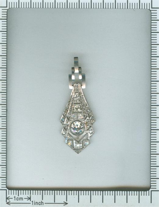 Art Deco diamond platinum pendant by Unknown