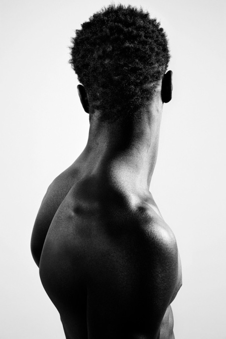 Neck V by Brigitte Vincken