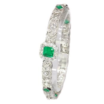 High quality platinum Art Deco bracelet with 140 diamonds and top emeralds by Unknown Artist