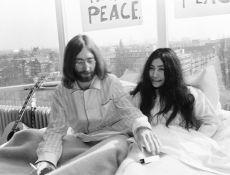 John and Yoko, Breakfast Amsterdam Hilton Hotel by Nico Koster
