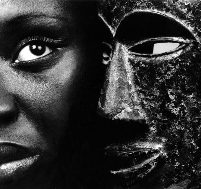Heritage 3 by Angèle Etoundi Essamba