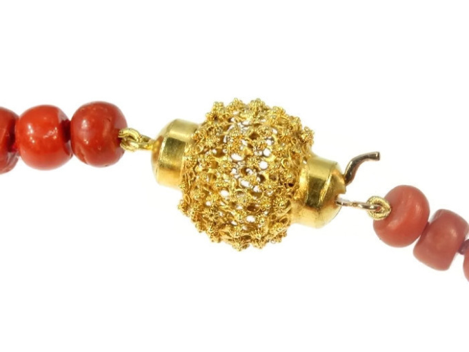 Dutch Victorian antique coral bead necklace with gold filigree closure by Unknown
