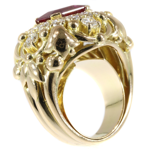 Wolfers made vintage Fifties diamond ring with large 3.40 crt untreated natural ruby by Unknown