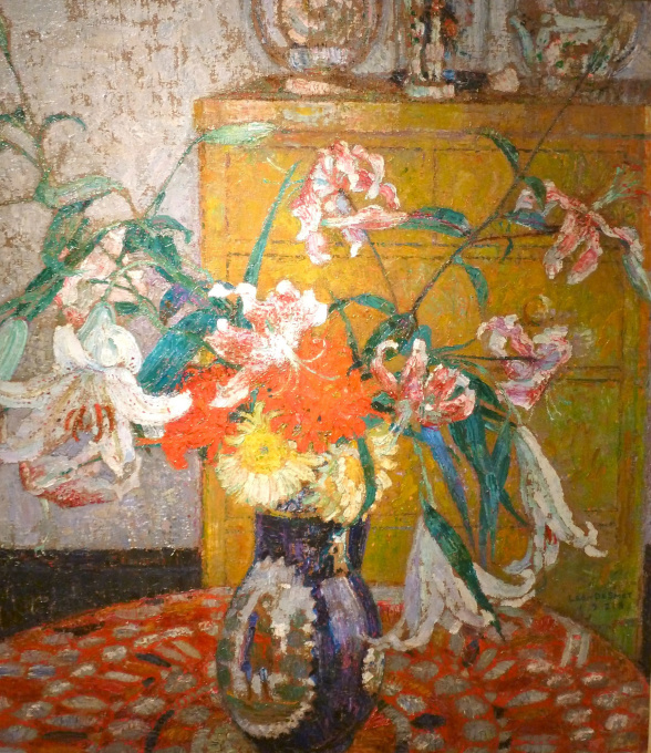Interior with flower still-life by Léon De Smet