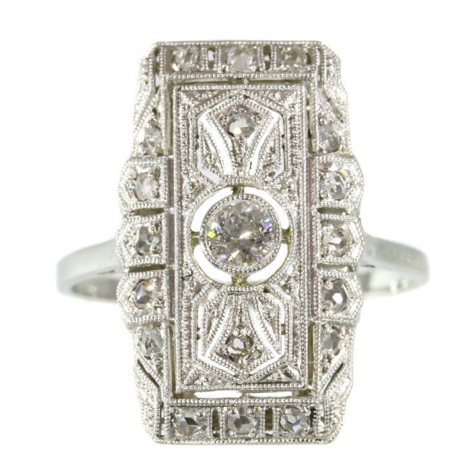 Classy Edwardian Art Deco diamond engagement ring by Unknown Artist