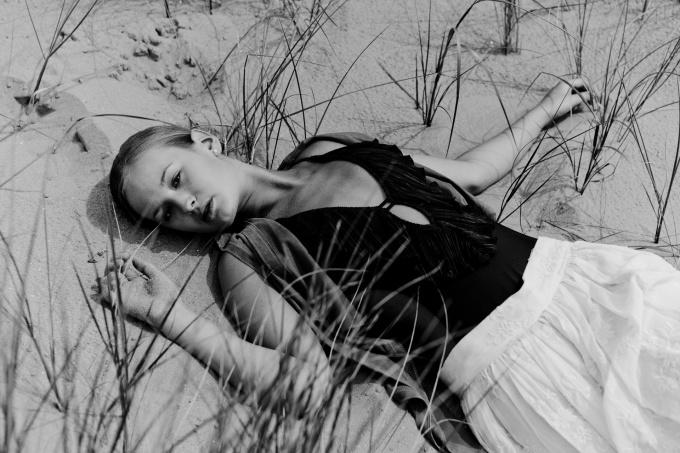 Dunes II by Dik Nicolai