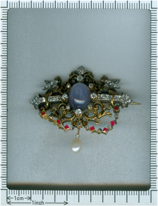 19th Century French brooch two sphinxes diamond set and star sapphire (Freemasonry?) by Unknown