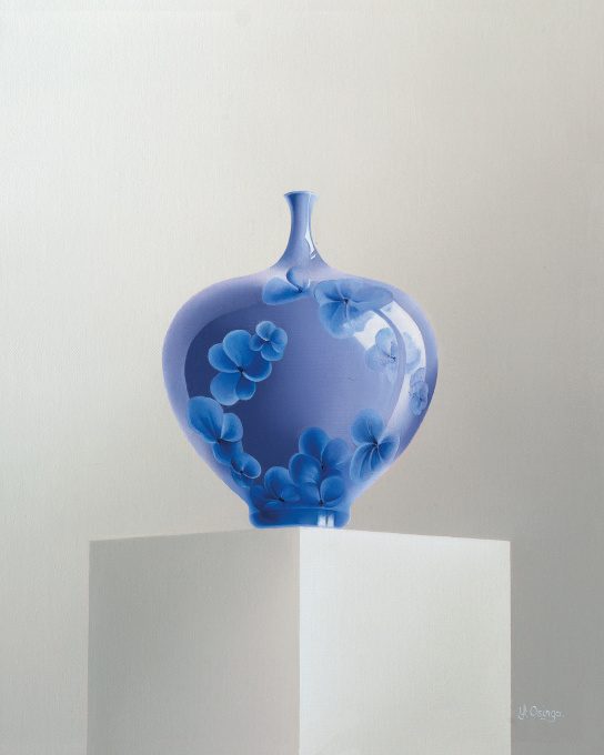 Blue vase by Yt Osinga