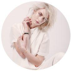 Posing I by Dik Nicolai