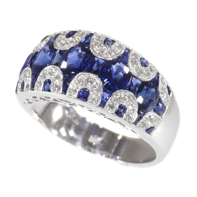 Vintage high quality 1970's ring with diamonds and sapphire - great model! by Unknown