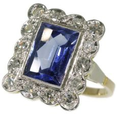 Vintage sapphire and diamond ring by Unknown
