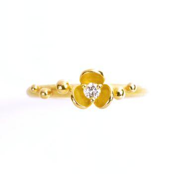 Small flower ring. by Eva Theuerzeit