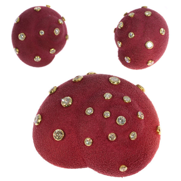Iconical Sixties Christian Dior suede covered brooch earrings 6.74 crt diamonds by Dior