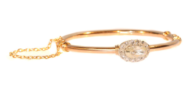 Elegant antique Victorian rose cut diamond bangle red gold by Unknown