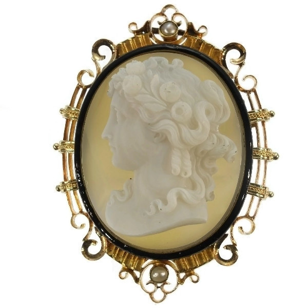 French Victorian antique hard stone cameo in elegant enameled mounting by Unknown