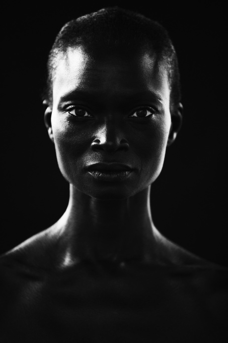 I am a Woman (black) by Micky Hoogendijk