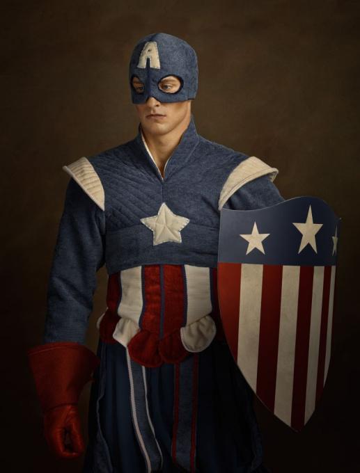 Chevalier avec casque et bouclier aux couleurs des Etats Unis by Sacha Goldberger