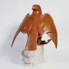 Roofvogel met prooi by Evert den Hartog