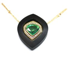 Pendant executed with an emerald with detachable ebony edge(18 krt jellow) gold