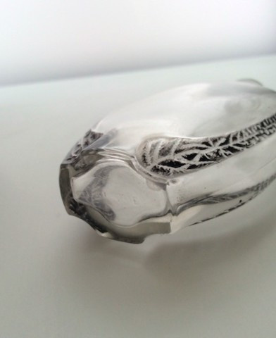 A very elegant flacon 'Lac Dor' for Lubin by Lalique by René Lalique