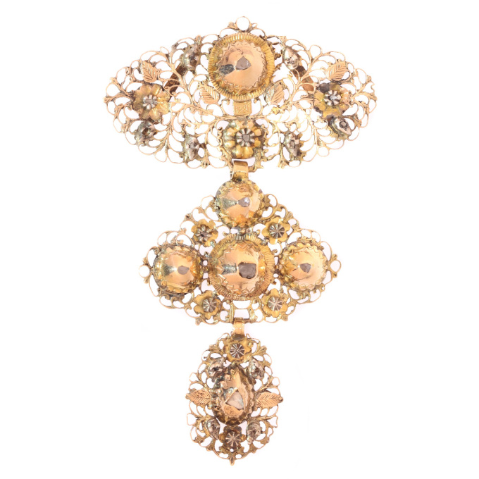 Early 19th century gold diamond pendant called a la jeanette by Unknown Artist