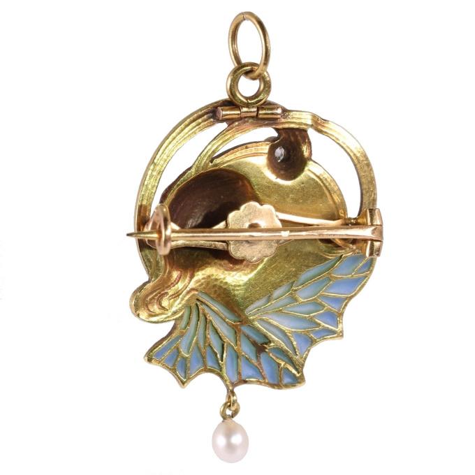 High quality Art Nouveau pendant/brooch with plique a jour enamel by Unknown