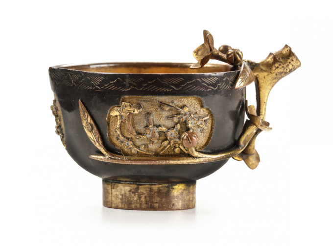 A JAPANESE SMALL SAWASA 'PEACH-FORM' CRUCIBLE CUP by Unknown Artist