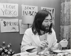 John and Yoko, Breakfast Amsterdam Hilton Hotel