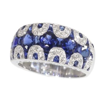 Vintage high quality 1970's ring with diamonds and sapphire - great model! by Unknown Artist