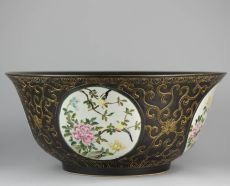 Huge Famille Noire bowl in QianJiang style, Minguo period (1912-1948) by Unknown Artist