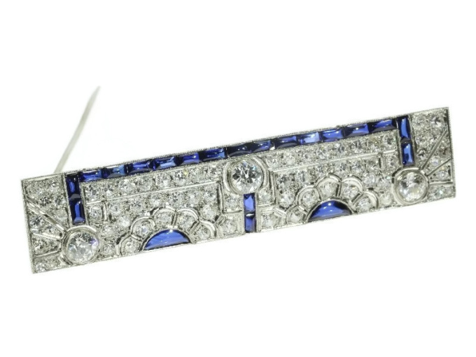 Must See! Strong design Art Deco platinum brooch diamonds and sapphires by Unknown Artist