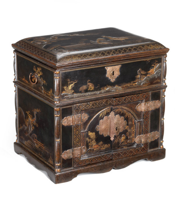 A Japanese lacquer Transitional-style chest in the early pictorial-style by Unknown Artist