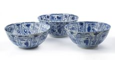 Three large Chinese blue and white 'kraak porselein' bowls