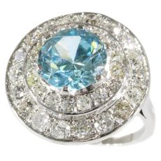 Diamond loaded radiant circular with a big starlite in its center by Unknown