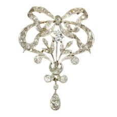 Belle Epoque brooch and pendant in guirland style with 72 diamonds by Unknown Artist